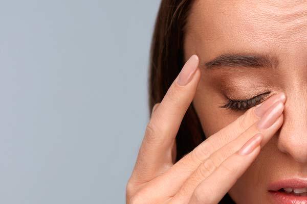 ускладнення від контактних лінз